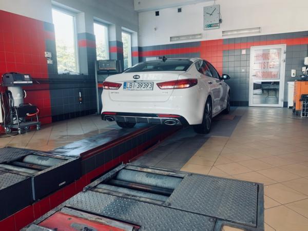 Samochód u mechanika 04