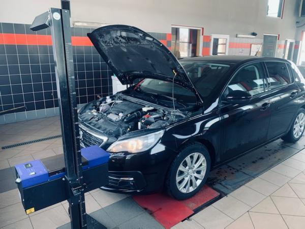 Samochód u mechanika Piszczac 03