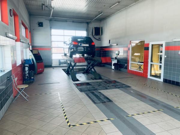 Samochód u mechanika Piszczac