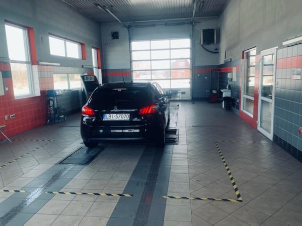 Samochód u mechanika Piszczac 05